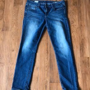 Women's Skinny GAP jeans.